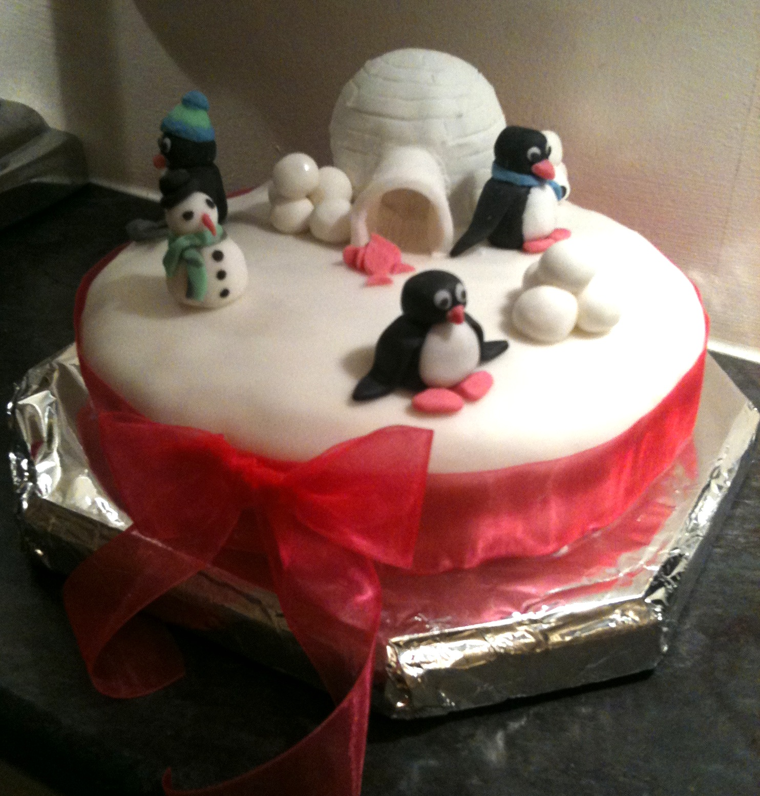 Number forty christmas cake fifty new things this year for Iced christmas cakes